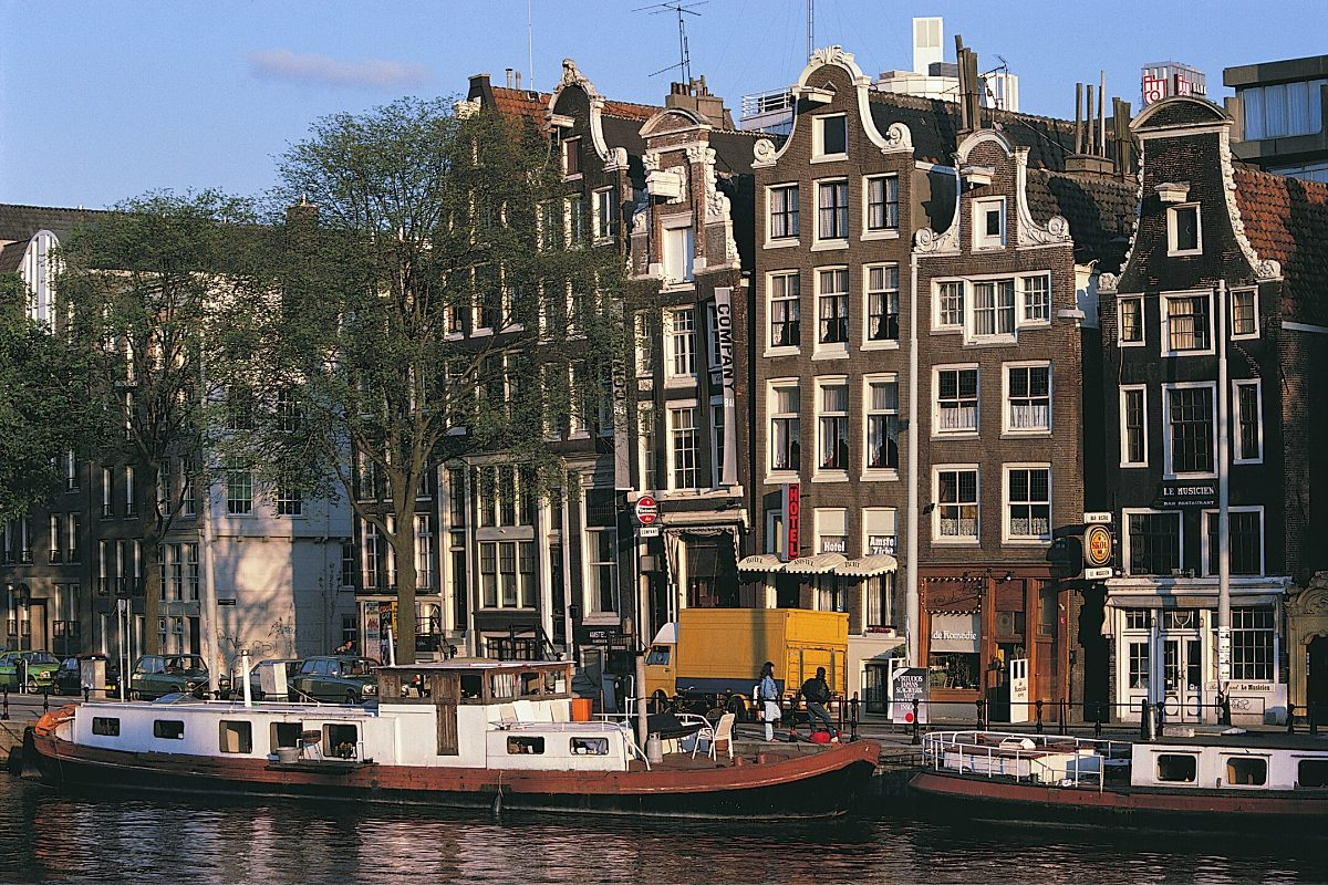 09a_Amsterdam Canal Houses