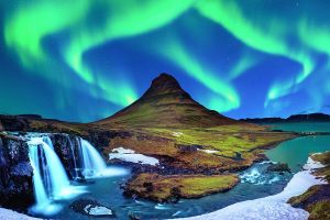 07_Northern Lights Kirkjufell Iceland